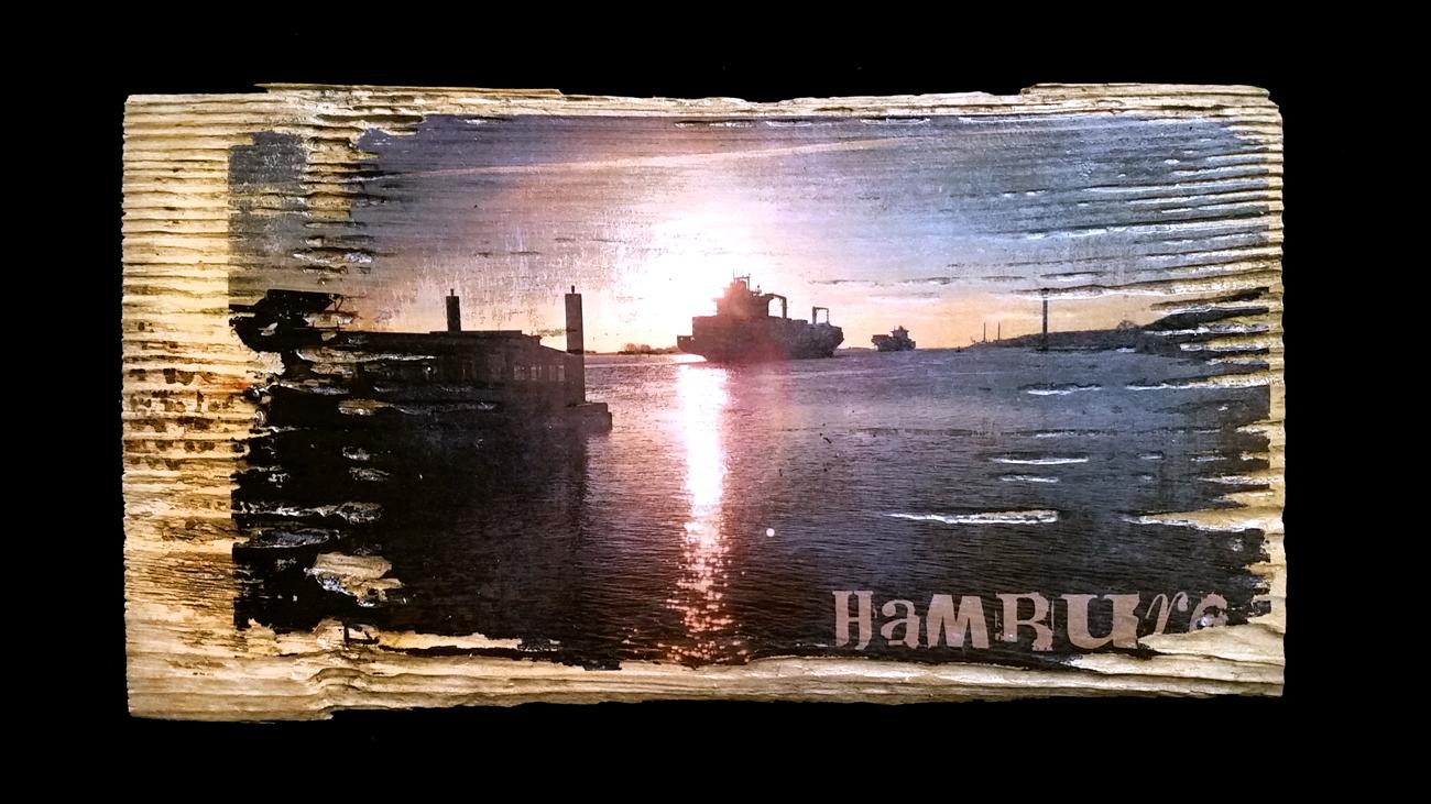 Tanker bei Blankenese – Fundort des Holzes: Ostfriesland