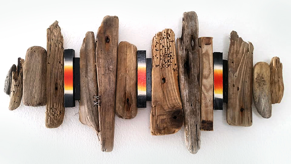driftwood art by Calla Hueppe, Claudie Hamburg, Gezeiten-Hölzer